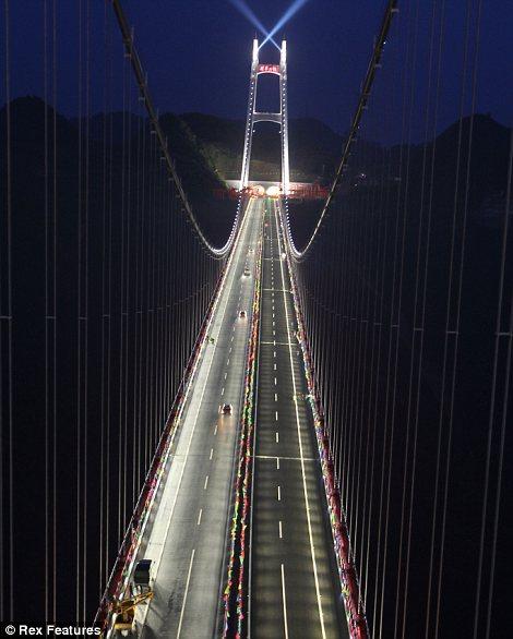 Самый длинный мост в ночное время