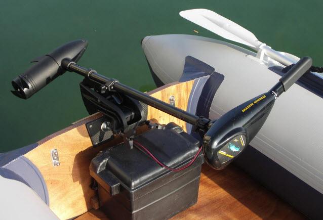 электромоторы для надувных лодок на сколько хватает