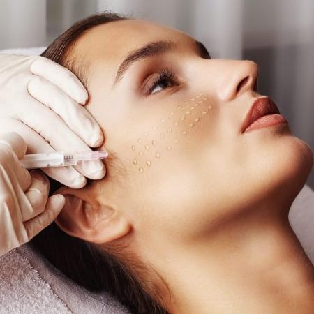 Омоложение кожи после тридцати: плазмолифтинг и биоревитализация