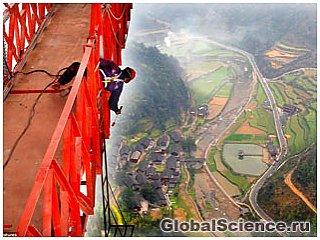 Последний штрих в создании самого высокого в мире моста