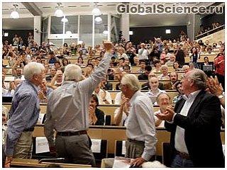 Физики объявили об обнаружении частицы подобной бозону Хиггса