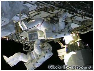 Астронавты провели аварийный выход в открытый космос из-за утечки на МКС