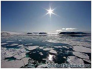 Северный полюс постепенно превращается в озеро