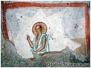 В маленькой церкви в Сербии обнаружены странные фрески Иисуса и Богородицы