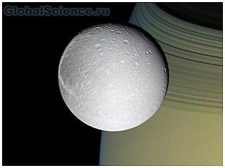 Учёные: в одном из спутников Сатурна обнаружен океан
