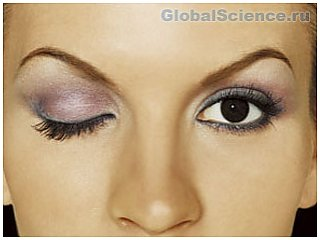 Секреты макияжа глаз, которые помогут выглядеть моложе