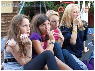 Излишний вес инициирует в детях желание курить