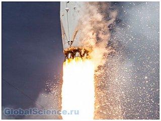 Посадка Falcon 9 будет производиться на плавающую платформу фото