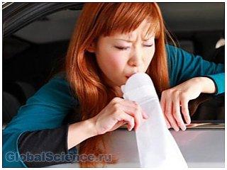 Установлена причина укачивания людей во время движения на машине