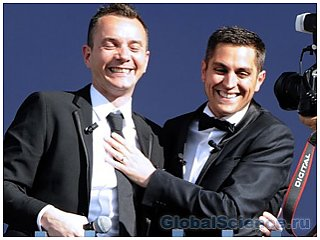 Во Флориде состоялась свадьба двух сотен геев
