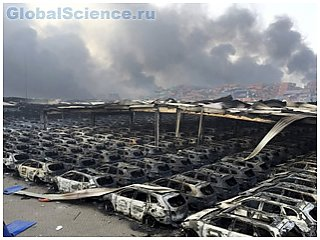 Из-за взрывов в китайском Тяньцзине сгорели сотни машин