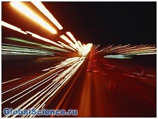 Изменение скорости света ученые связали с темной материей