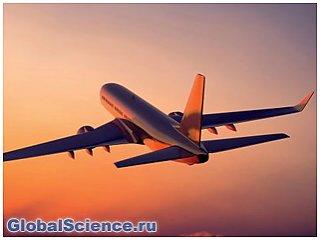 Пассажир Lufthansa попытался открыть дверь самолета во время полета