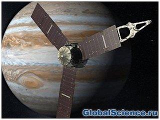 Зонд Juno успешно вышел на траекторию сближения с Юпитером