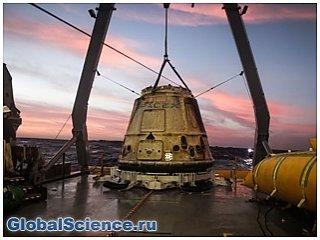 Космический корабль Dragon с успехом приводнился в Тихом океане