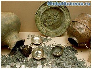 Археологи-любители обнаружили в Дании крупнейший клад викингов