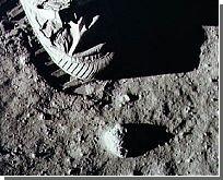 """Астронавтов снабдят """"лунным пылесосом"""""""