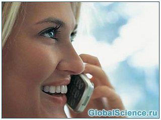 Длительное использование мобильного телефона может стать причиной шума в ушах