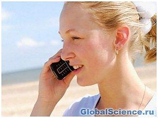 Ученые опровергли связь мобильного телефона с развитием рака мозга