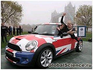 Новый мировой рекорд втомобиля MINI Cooper по вместимости