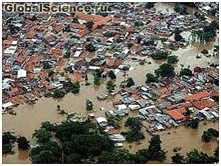 В Джакарте из-за наводнения эвакуированы около тысячи жителей