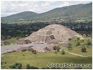 Скульптура древнего бога индейцев обнаружена в пирамиде Солнца