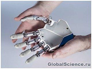 Создана первая бионическая рука с чувством осязания