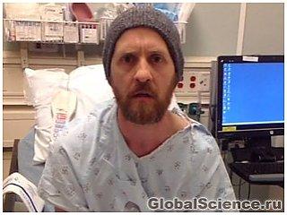 Удивительное видео - пациент во время операции головного мозга играет на гитаре