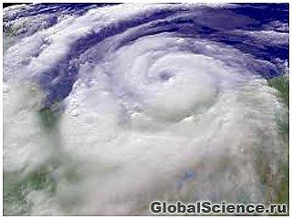"""Мексика эвакуируется - шторм, названный """"Барбара"""", превратился в ураган"""