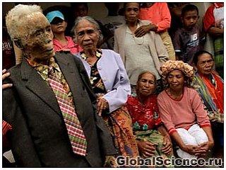 В Индонезии покойники сами идут на кладбище