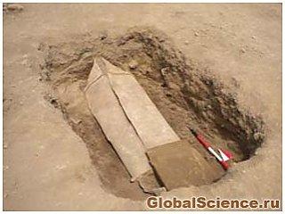 Британские археологи собираются раскрыть тайну свинцового гроба