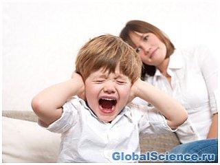 Ребенок, воспитанный в неполной семье становится агрессивным.