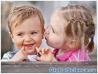 По мнению ученых, девочки взрослеют намного раньше, чем мальчики