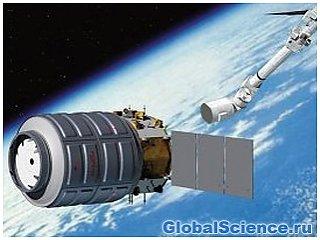 Астронавтами МКС открыт люк космического грузовика Cygnus
