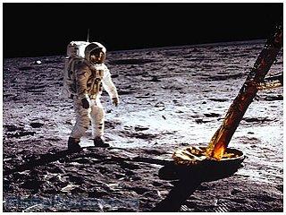 Управление Роскосмоса будет набирать вахтовиков для работы на Луне