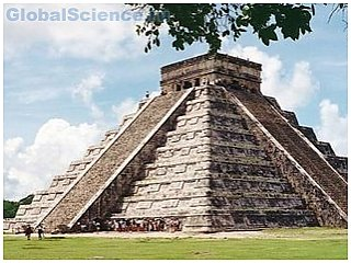 Археологи занялись поиском тайного хода под пирамидой Майя
