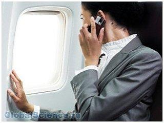 Пассажирам авиалайнеров теперь разрешено пользоваться телефонами