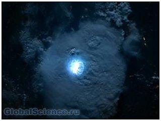 Астронавтам удалось сделать снимок молнии из космоса