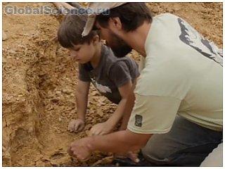 В Америке маленький мальчик раскопал останки динозавра