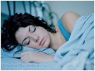 Ученые выяснили, почему человек моргает во время сна