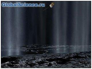 28 октября Cassini пройдет через водяной шлейф Энцелада