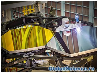 Установлен первый сегмент главного зеркала телескопа им. Джеймса Уэбба