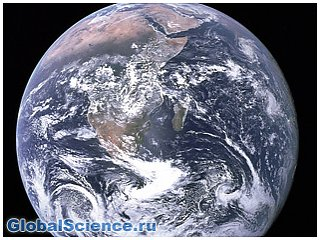 Уникальный снимок Земли на фоне лунного горизонта опубликовало НАСА