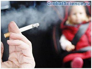 Названы ранее неизвестные факты о влиянии курения родителей на детей