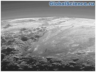 Ученые обнаружили на детальных снимках Плутона облака