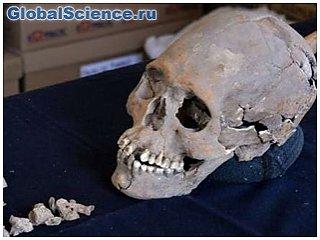 Археологи нашли таинственный череп с инкрустированными зубами