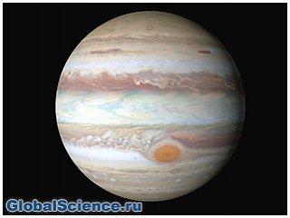 Зонд Juno зафиксировал гигантские торнадо и магнитные вихри на Юпитере