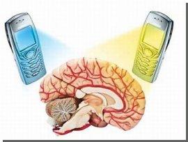 Вчені довели шкоду мобільних телефонів